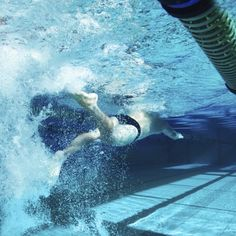 Don't Compare Yourself to Others - How to Swim - Tips from Top Coaches Swimming Coach, Swimming Tips, Open Water Swimming, Keep Swimming, Triathlon Motivation, Cycling Motivation, Motivation Wall, Fitness Motivation, Masters Swimming