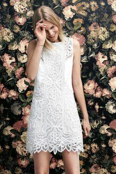 Una selección de vestidos veraniegos. The intricate white lace detailing of  our Perla Lace Shift Dress ... 45cef8de7c87