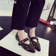 2017 spring and summer new fashion personality shoes flat with pointed single shoes rivets flat shoes apartment female
