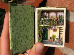 from:http://minilisa.blogspot.com/2010_09_05_archive.html# (such a lovely little mini scene)  //  It's amazing work on such a small scale.