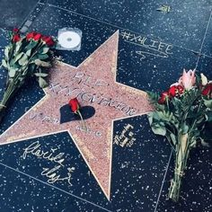 He was even dedicated a star thx so much to de person who decided to make him a star on the Hollywood walk of fame Love U So Much, I Love Him, My Love, Rap Wallpaper, Iphone Wallpaper, Tupac Shakur, Mano Brown, Xxxtentacion Quotes, Arte Hip Hop