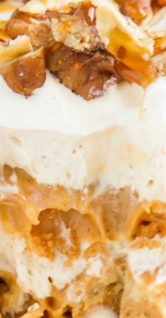 Pumpkin Maple Dessert Lasagna - A baJillian Recipes Best Dessert Recipes, Fun Desserts, Delicious Desserts, Amazing Recipes, Drink Recipes, Thanksgiving Recipes, Fall Recipes, Holiday Recipes, Butter Finger Dessert