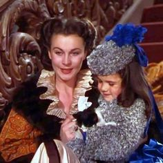 I'm doing an April challenge hosted by @glamorous_icons called #aprilglamorousicons. Today's my first day, so I have to play catch up! Day 1: What's your favorite scene where an actress descends from a staircase? My answer would have to be when Rhett brings Bonnie home to Scarlett in #gonewiththewind. She runs down the stairs as Bonnie runs up to greet her and then they hug. It's really sweet ❤#VivienLeigh #gwtw #cammieking #screenshot