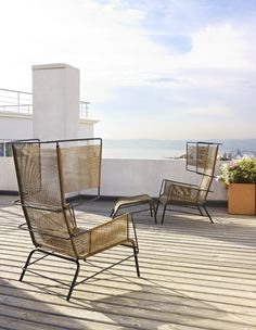 The Fifty armchair is definitely a twist on the traditional. Available in two colours it has been designed by Dogg & Arnved Studio 2012 for outdoor use.