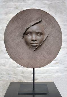 New Free Ceramics sculpture head Popular Chole Sonthorp Sculpture Head, Sculptures Céramiques, Pottery Sculpture, Bronze Sculpture, Ceramic Sculptures, Photo Sculpture, Modern Sculpture, Abstract Sculpture, Statues