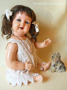 Antike deutsche Puppe mit flirten Augen, machte 1915 markiert Kämmer & Reinhard, Zelluloid-Kopf auf Zusammensetzung Körper, Echthaar