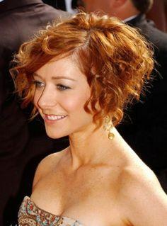 Alyson Hannigan Short Curly Bob Hairstyle
