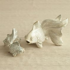 Set of 2 Hand Carved Goldfish design by Twos Company Art Sculpture, Pottery Sculpture, Animal Sculptures, Ceramic Animals, Clay Animals, Ceramic Art, Le Jade, Ceramic Turtle, Ceramic Flowers