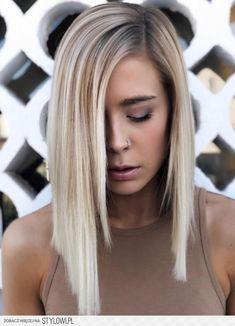 Stylowi.pl - Odkrywaj, kolekcjonuj, kupuj Bayalage, Blonde Root Stretch, Messy Hairstyles, Pretty Hairstyles, Blonde Hair With Roots, Beige Hair, Hair Color And Cut, Medium Hair Cuts, Hair Dos