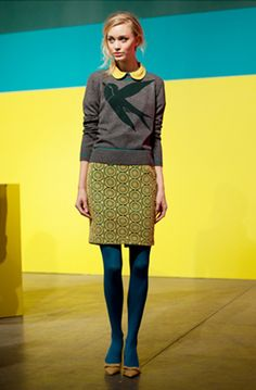 gray bird sweater, peacock blue tights, yellow peter pan collar and circle pattern skirt Look Fashion, Winter Fashion, Womens Fashion, Fashion Ideas, Fashion Tips, Fashion Trends, Moda Outfits, Cute Outfits, Zooey Deschanel