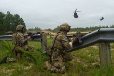 Military Guns, Military Art, Arsenal, Us Ranger, Us Army Rangers, 75th Ranger Regiment, Green Beret, Special Forces