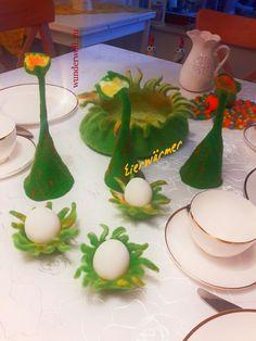 Eierwärmer gefilzt Felt Art, Table Decorations, Christmas Ornaments, Holiday Decor, Diy, Beautiful Things, Felting, Home Decor Accessories, Easter Activities