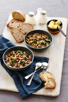 Quick and Hearty Ham, Bean and Kale Soup: This hearty soup will warm the soul! Quick and easy, this is the perfect meal time hero during the winter months!