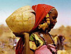 Africa | Peul Woman - Djenné, Mali | ©  From the 1977 publication: The Last Africans - Photographer Gert Chesi.