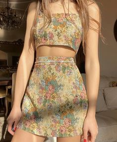 Aesthetiic _ s on 1 2 3 4 5 6 or 7 vintage outfits styling trends tips Aesthetic Fashion, Look Fashion, Aesthetic Clothes, Korean Fashion, Fashion Design, Fashion Quiz, Grunge Fashion, Aesthetic Girl, 90s Fashion