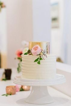 36 Small Wedding Cakes With Big Style Small Wedding Cakes With Big Style ❤︎ Wedding planning ideas & inspiration. Wedding dresses, decor, and lots more. Destination Wedding, Wedding Planning, Small Wedding Cakes, Small Cake, Wedding Cake Inspiration, Beautiful Cakes, Bridal Shower, Wedding Dresses, Gifts