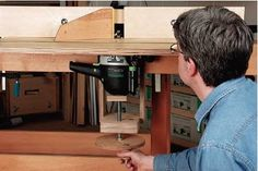 Clamp-on router table router lift attachment