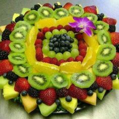 Another pretty fruit tray. Fruit And Veg, Fruits And Veggies, Fresh Fruit, Cute Food, Yummy Food, Fruit Plate, Fruit Trays, Fruit Art, Beautiful Fruits
