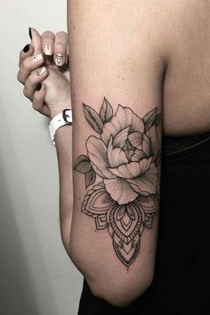 Black and White floral design tattoo inspiration ideas @heymercedes