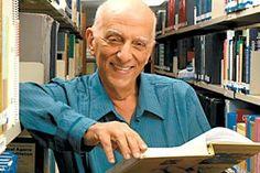 Rubem Alves é teólogo, educador e escritor, possui livros de diversas temáticas existenciais, educacionais e religiosas. Aprecie suas melhores frases.