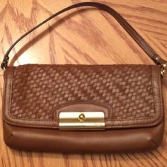 coach clutch ON sale!! 💜 Authentic NWT coach clutch brown woven leather pink interior Coach Bags