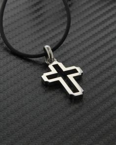 Σταυρός λευκόχρυσος Κ18 Cross Necklaces, Pendant Design, Egg Salad, Gold Cross, Metalworking, Crosses, Jewelry Design, Paris, Health