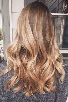 Caramel and blonde balayage hair color 2018 for short, long, medium length hair, pictures of honey blonde and copper blonde balayage hairstyles for fine straight hair, thick and thin curly hair Honey Blonde Hair Color, Blonde Balayage Honey, Golden Blonde Hair, Blonde Color, Honey Blonde Highlights, Golden Highlights, Bright Blonde, Honey Hair, Long Blond Hair