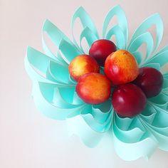 Petals decorative fruit bowl - Turquoise  www.beandliv.com #beandliv #design #fruitbowl #tableware  Photo by @nydeligflottbloggen