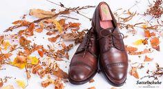 Am Ende des Sommers holen wir die Schlechtwetterschuhe aus dem Schrank und pflegen Sie für den Einsatz im Herbst. Eine Schuhpflegeanleitung.