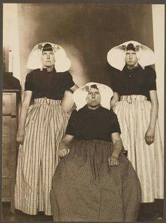 Three Dutch women on Ellis Island. c 1905