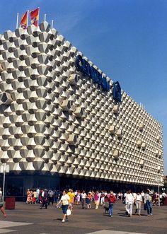 Centrum Warenhaus, Prager Strasse, Dresden, August 1988 by stilo95hp, via Flickr