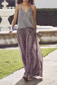 Effortless look that transitions from day to night // Printed Maxi Skirt + Grey Knit Tank // A&F Summer Getaway Abroad