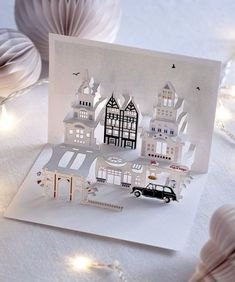 Kirigami map pop up architecture city - Paper-Houses - Origami Wedding Card Design, Wedding Cards, Wedding Invitations, Pop Up Invitation, Wedding Stationery, Invitation Cards, Wedding Events, Japanese Paper Art, Diy 2019