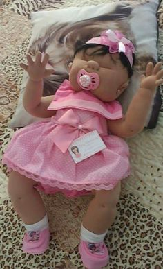 A sleeping baby boy 💜 littlehannydolls artdoll dollart dollartist slowdoll instaart needlefelting realisticdoll realsizedoll… Doll Sewing Patterns, Doll Clothes Patterns, Child Doll, Baby Dolls, Cute Crochet, Crochet Baby, Soft Dolls, Doll Crafts, Reborn Babies