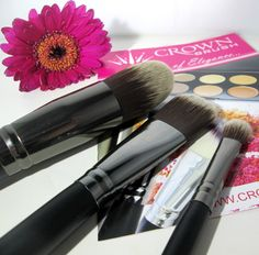 Crown Brush Review ♥