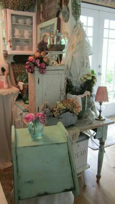 Cosy et très intime. Super shabby chic