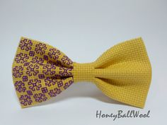 Embroidered bow tie for men Pre-tied bow tie Unique bow tie Style bow tie Cool bow tie creative bow tie Gift for him Yellow bow tie Hand Embroidery Patterns, Cross Stitch Patterns, Cool Bow Ties, Tie Bow, Mens Ties Crafts, Yellow Bow Tie, Style Africain, African Accessories, Elastic Ribbon