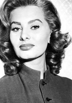 A blog entirely dedicated to the timeless and beautiful Italian diva, Sophia Loren.