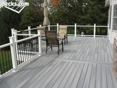 white deck stain gray deck with white posts and black spindles by white deck stain ideas Deck Stain Colors, Deck Colors, Grey Deck Stain, White Deck, Black Deck, Black White, Deck Pictures, Landscape Pictures, Pictures Images