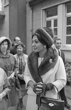 Queen Farah Diba Pahlavi during a visit in Paris (France). Farah Diba, 1960s Fashion, Royal Fashion, Charlize Theron Style, Persian Princess, Iran Pictures, Adele, Pahlavi Dynasty, The Shah Of Iran