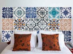 Cabecero de cama con azulejos