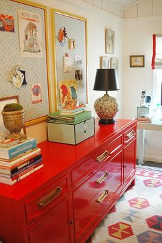 I like the bold red dresser with red accents in the rug, shades, and bulletin boards, design Do It Yourself Inspiration, Color Inspiration, Inspiration Boards, Furniture Inspiration, Furniture Makeover, Diy Furniture, Spray Paint Furniture, Repainting Furniture, Modern Furniture