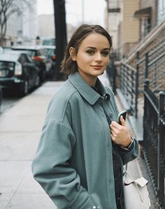 Joey King Outfits In Paris 2020 Was Gorgeous King Jacob, Joey King, King Outfit, King Photo, King Fashion, Leo Women, Kissing Booth, Long Hair With Bangs, Celebrity Hairstyles