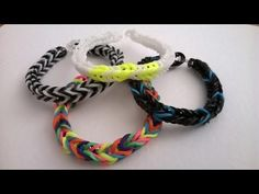 Make a fishtail loom band bracelet . Free tutorial with pictures on how to make an embellishments in under 15 minutes using elastic band, loom, and loom hook. in the Jewelry section Difficulty: Easy. Fishtail Loom Bracelet, Loom Band Bracelets, Loom Bands Tutorial, Jewelry Making Tutorials, How To Make, Crafts, Youtube, Blog, Diy