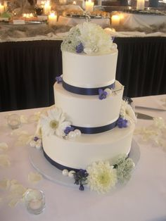 http://www.twiggs.org/gallery/classic-buttercream-wedding-cakes#