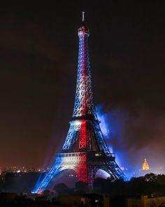 ⚽️ ALLEZ LES BLEUS Paris Images, Paris Photos, Monuments, Hello France, Paris Ville, Paris City, World Cup 2018, Paris Travel, Places To Visit