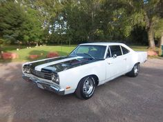 1969 Plymouth Road Runner 440 W/6Pack Holley Carb & Edelbrock Intake