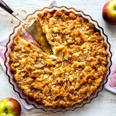 Tämä omenapiirakka on kaveripiirissäni kerännyt suosiota makunsa ja muunneltavuutensa ansiosta. Se taipuu maidottomaksi, gluteenittomaksi ja munattomaksi. Sweet Desserts, Gluten Free Recipes, Apple Pie, Deserts, Favorite Recipes, Sweets, Candy, Baking, Tarts
