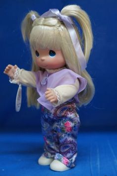 Precious-Moments-12-034-Vinyl-Doll-Signed-4400-Pretty-in-Paisley-Blonde-A
