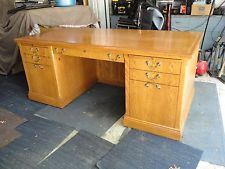 Solid Oak Executive Desk - not feasible to get, despite the $300 price, but at least I know it exists.